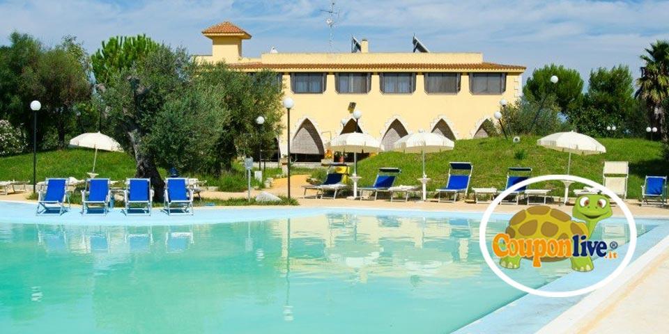 VERNOLE (LECCE). 18-19-20 Settembre, 1 o 2 Notti in mezza pensione con utilizzo della piscina a partire da Euro 99,00 a coppia, da Villa Conca Marco.