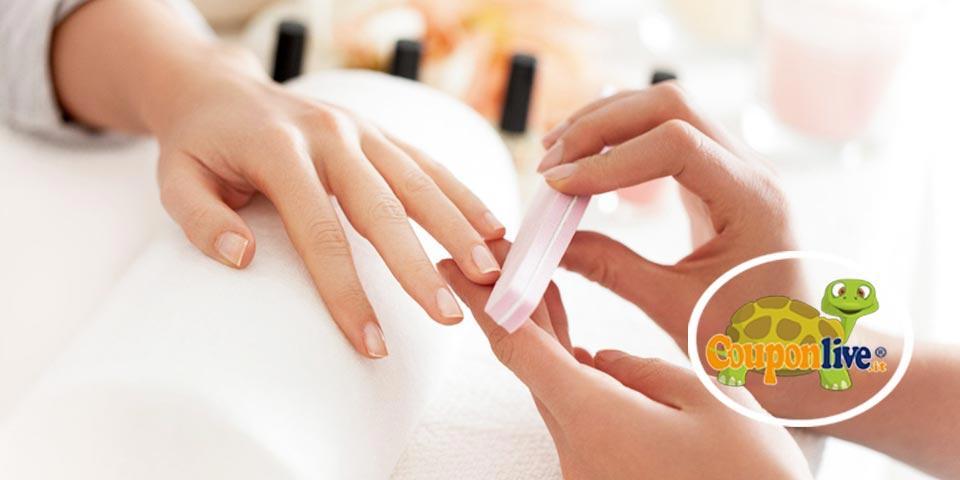 MOLFETTA. 1 seduta di Manicure con  Applicazione smalto semipermanente a soli Euro 8,90  a  persona,  da EsteticaMente.