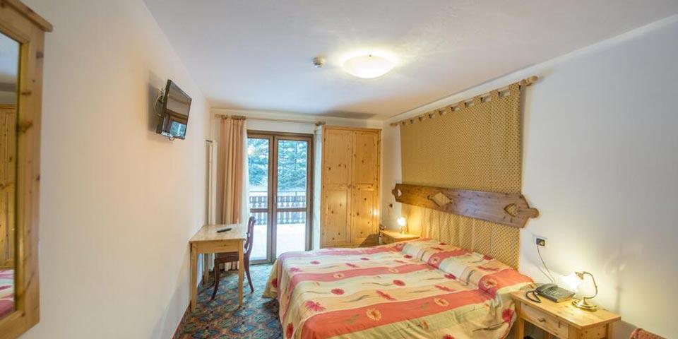MARZO 2021. 7 Notti in mezza pensione a partire da Euro 560,00 a persona da Hotel Villa Emma a CANAZEI(TN).
