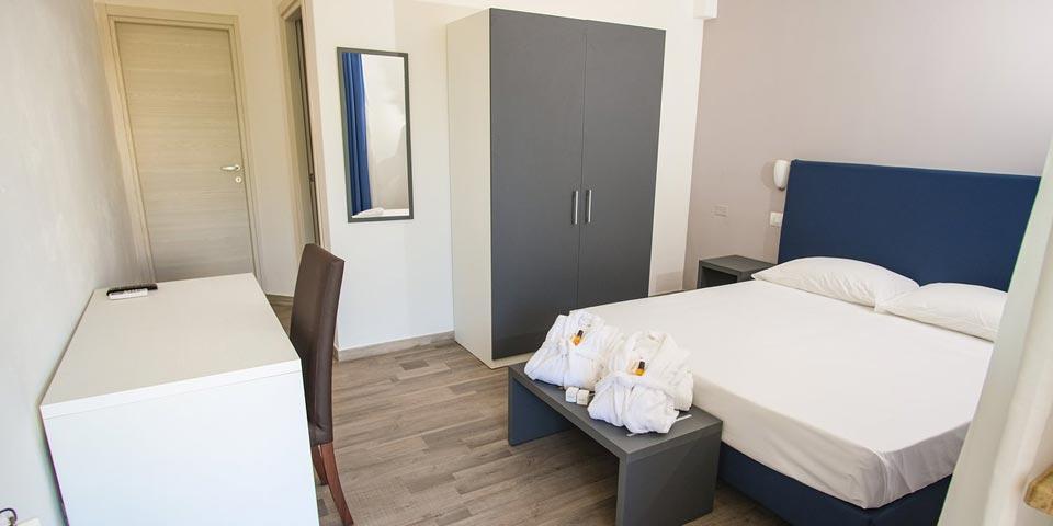 PRENOTA PRIMA, Maggio/Giugno a CAROVIGNO, 7 Notti in Pensione Completa da Euro 840,00 a camera, da Torre Guaceto Resort.