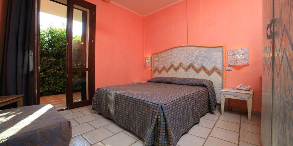PRENOTA PRIMA,dal 14 al 21 Agosto a Porto Cesareo(Puglia), 7 Notti in Pensione Completa a partire da Euro 2430,00 a camera,da Villaggio Punta Grossa.