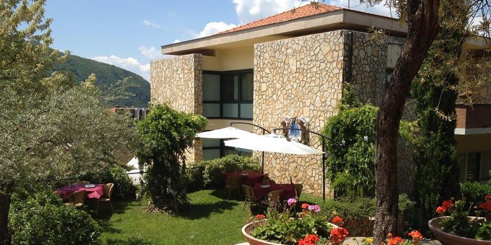 SOLOFRA.1 o 2 Notti in Mezza Pensione con SPA , da Euro 89,00 a coppia, da Solofra Palace Hotel  & Resort.