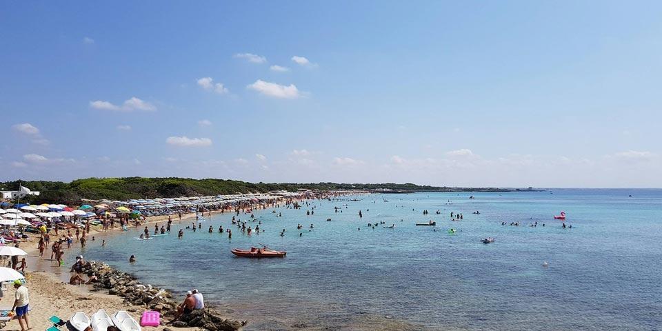 PRENOTA PRIMA,dal 28 Agosto al 4 Settembre a Porto Cesareo(Puglia), 7 Notti in Pensione Completa a partire da Euro 1400,00 a camera,da Villaggio Punta Grossa.