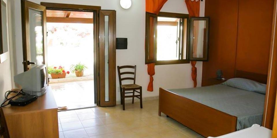 PRENOTA PRIMA,dal 26 Giugno al 3 Luglio a Zambrone (Calabria), 7 Notti in Pensione Completa a partire da Euro 700,00 a camera,da Villaggio Borgo Marino.