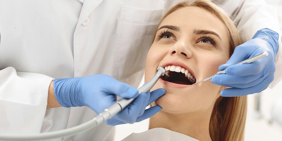 ANDRIA. Visita  Specialistica con  Detartrasi e cura dentale con otturazione a partire da Euro 19,00 a persona,  da  Centro Dentale di Giorgio Domenico.