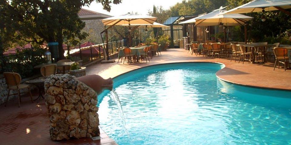 SOLOFRA.1 o 2 Notti in Mezza Pensione con SPA, da Euro 119,00 a coppia, da Solofra Palace Hotel  & Resort.
