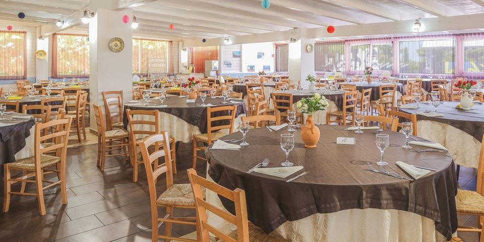 CAROVIGNO (BR), 7 Notti in Pensione Completa a Settembre a partire da Euro 840,00 a camera, da Torre Guaceto Resort.