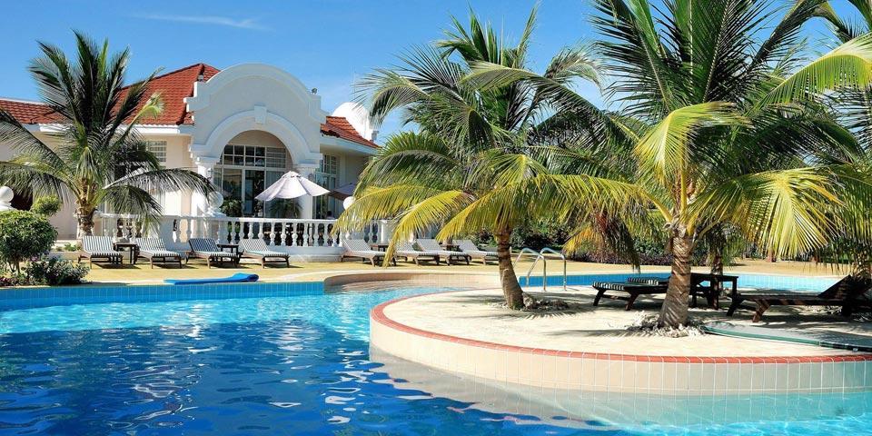 CUBA. Volo A/R da Ancona, 12 Giorni e 10 Notti, Tour con Accompagnatore a CAPODANNO, a soli Euro 2850,00 a persona.