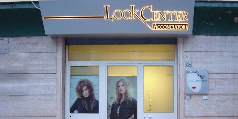ANDRIA. Pacchetto  Look  Donna con shampoo, taglio e piega a soli Euro 9,90 a persona, da  Look  Center  Acconciatori.