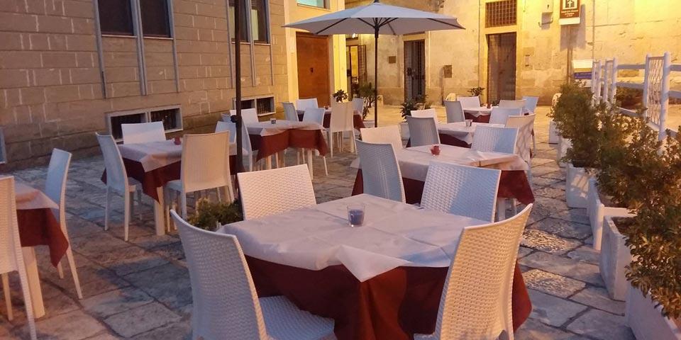 BRINDISI. Pranzo o  Cena valido tutti  i giorni anche la Domenica a soli Euro 29,90 a coppia, da  Ristorante Il Tempio dei Sapori.
