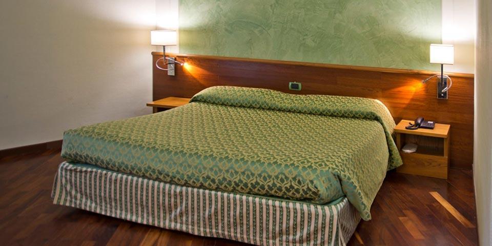 PIGNOLA. 1 o 2 Notti in Mezza Pensione con Percorso SPA e Ingresso in Piscina da Euro 179,00 a coppia, da Hotel Giubileo.