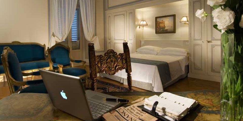 FIGLINE VALDARNO (FI). 1 o 2 Notti in camera Charme con Percorso Benessere e Massaggio da soli Euro 190,00 a camera, da Villa La Borghetta.